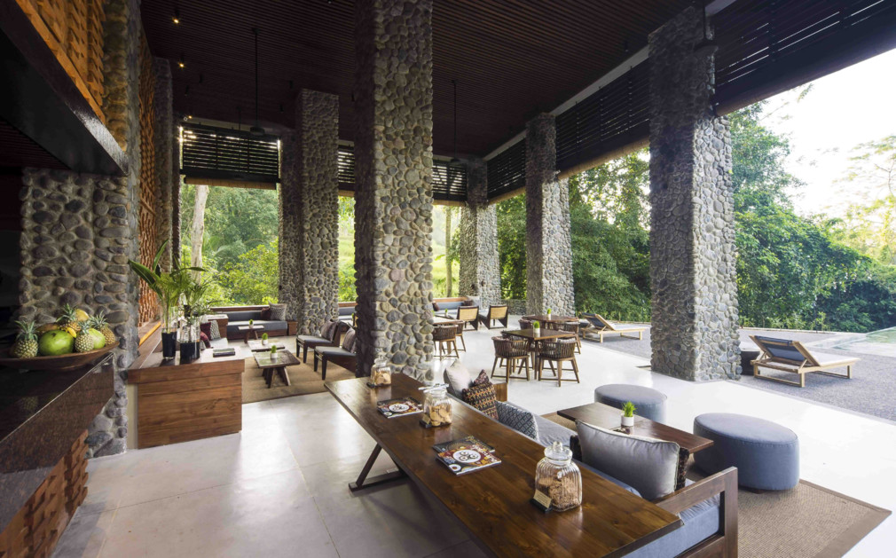 indoor outdoor seating and bar