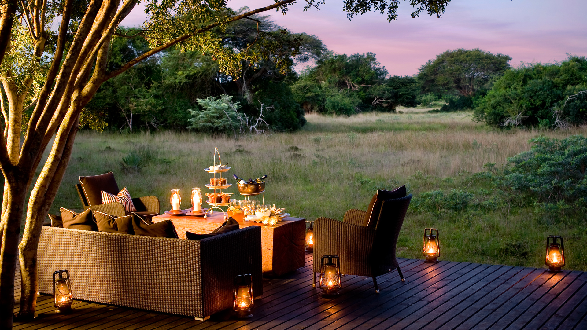 twilight, outdoor table and chairs, candles